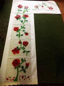 geknipt glas in de vorm van rozen