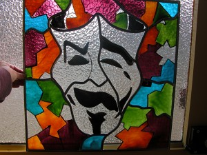 Masker, brandschilderwerk.