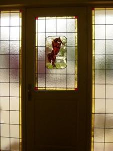paradepaard, eind resultaat in combinatie gemaakt met de andere glas in lood panelen. Allemaal nieuw werk in voordeur partij manege.