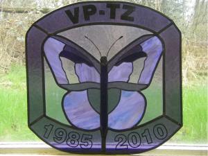 vlinderlogo, brandschilderwerk in combinatie met glas in lood voor kruisvereniging