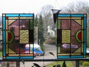 voorhang ramen, opnieuw in lood gezet.
