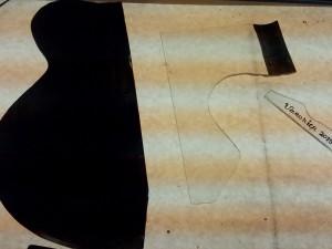 complete tekening op 't glas bedekt met een grissaile verf, schaduw aan brengen!