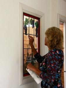 Veronica is alweer aan het poetsen! Ja goed afleveren van de ramen, ik houd van tevreden klanten:)