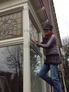 jaja, zelf op de ladder, plaatsen met stopverf!