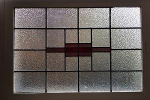 Oud glas in lood raam dient als voorbeeld voor nieuw gemaakte ramen